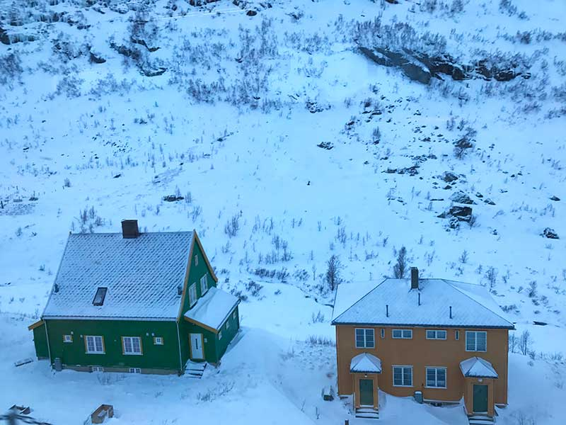 fiordos noruegos en invierno