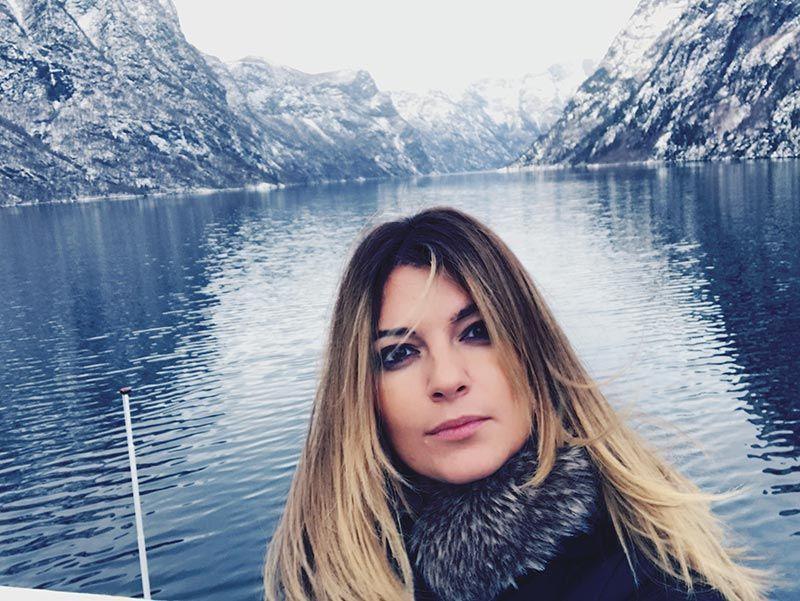 Aguantando el frío en el Fiordo de los Sueños