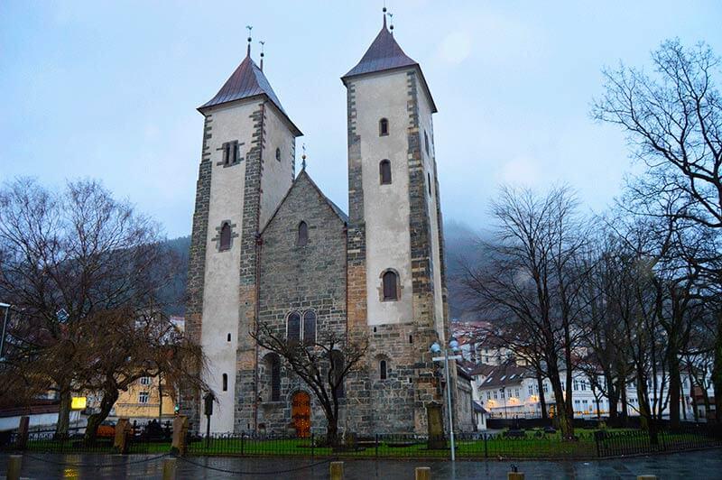 Iglesia Santa María que visitar en bergen