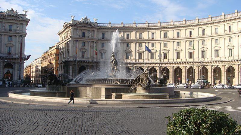 que ver en roma Plaza de la República