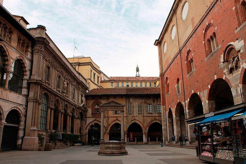 Piazza Mercanti Milán