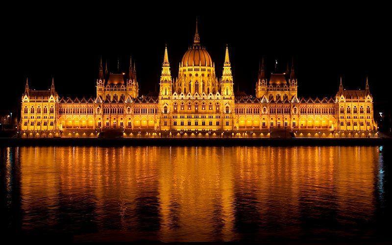 parlamento-budapest-noche