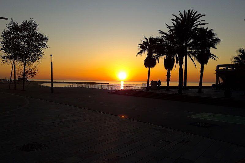 Sunset en la playa de Barcelona