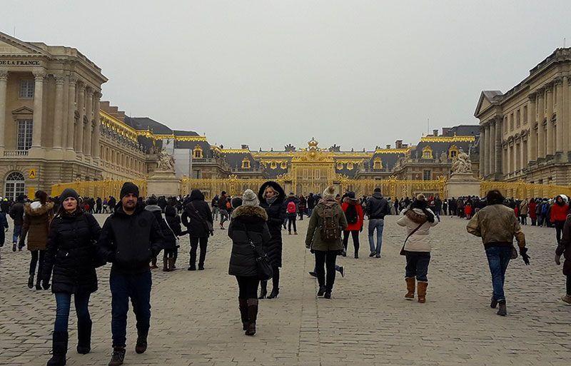 Colas para el Palacio de Versalles