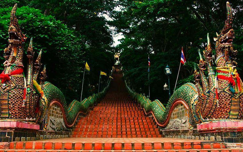Escaleras Wat Phra Doi Suthep