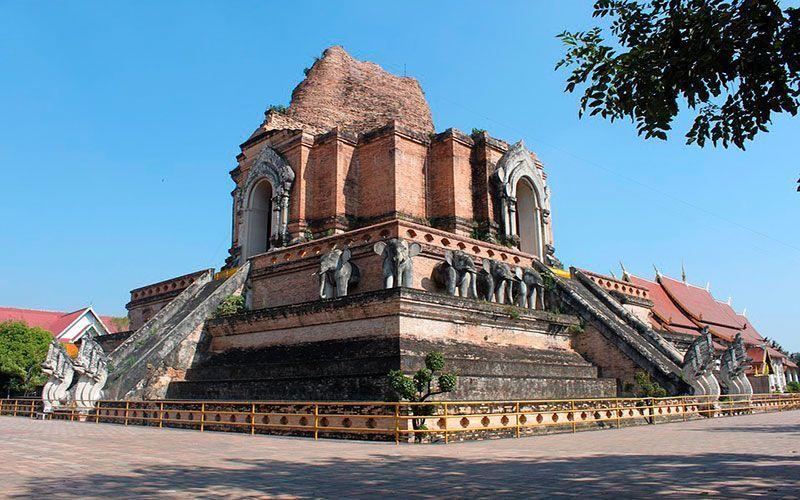 Wat Chedi Luang mejores templos de Chiang Mai